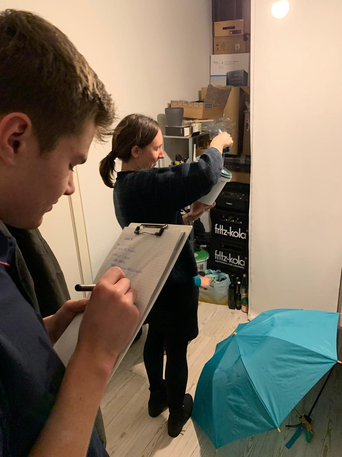 Chemikaliencheck im Paperkite-Büro