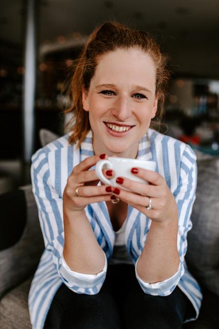 Katja Müller als freiberufliche Beraterin bei der Paperkite Filmagentur